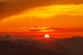 THEMENBILD, Sonnenuntergang am Kitzbueheler Horn
